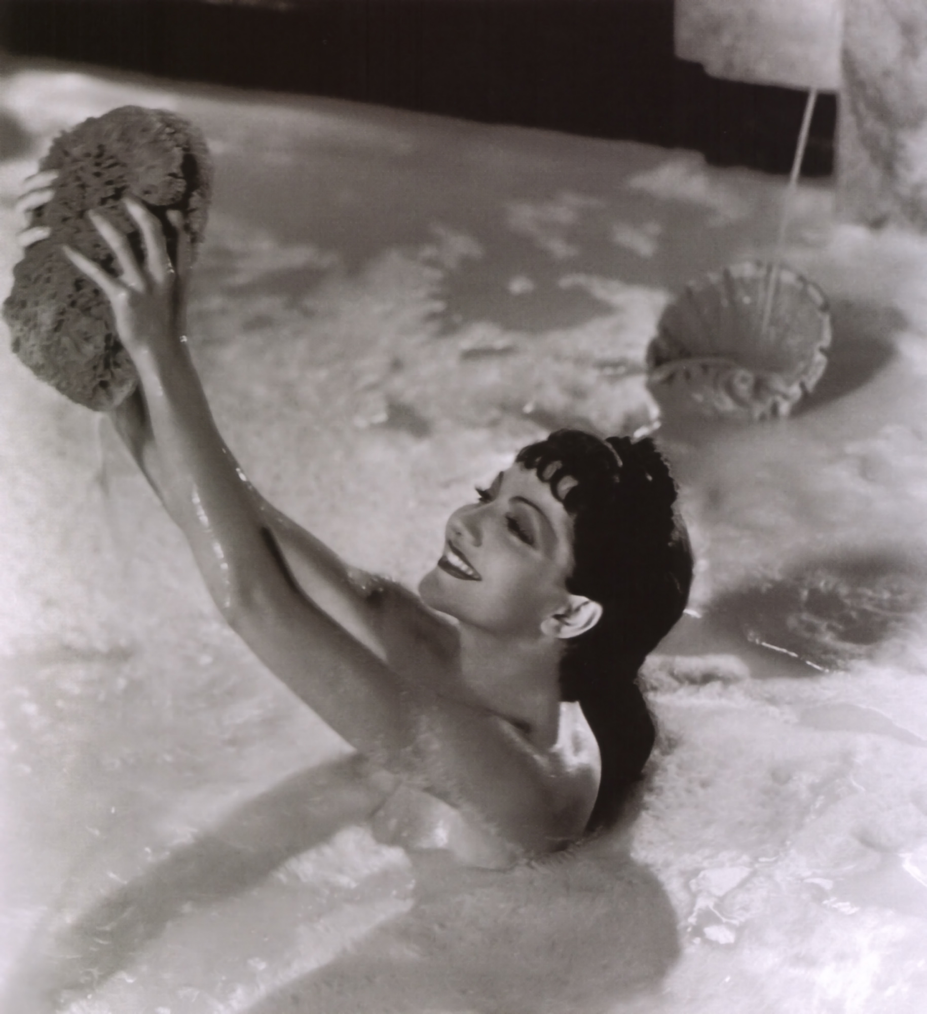 Actress beauty tip #8: Milk bath