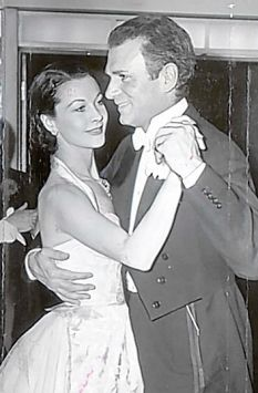 vivien leigh and laurence olivier comet over hollywood