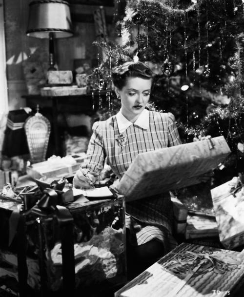 bette davis christmas 2 : Comet Over Hollywood