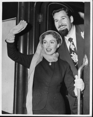Jeanne Crain and her husband Paul Brooks in 1953.