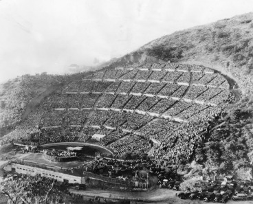 Hollywood Bowl Easter service in 1928