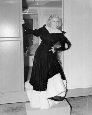 "Harlow on set of film ""Personal Property"" in 1937"