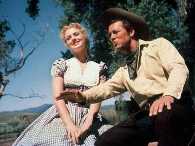 """Shirley Jones and Gordon MacRea in """"Oklahoma"""""""