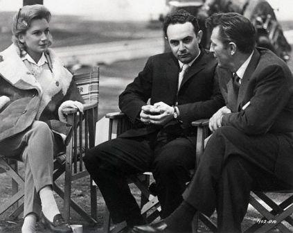 Deborah Kerr, Stanley Donen,  and Robert Mitchum