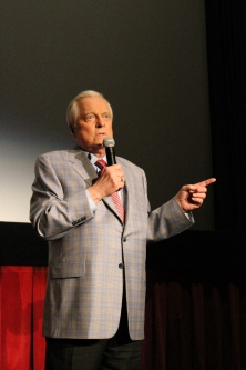 "Robert Osborne introducing ""Desert Song"" (Comet Over Hollywood/Jessica Pickens)"