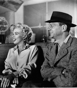 Cotten and Monroe on the set of Niagara