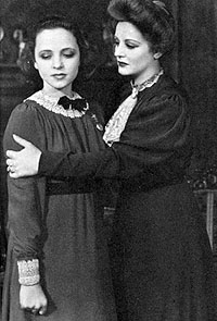 "Tallulah Bankhead and actress Eugenia Rawls perform in ""The Little Foxes"""