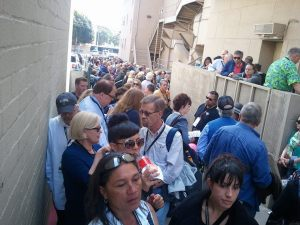 The line to see Maureen O'Hara outside the El Capitan theater in Los Angeles.