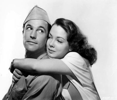 """Gene Kelly and Kathryn Grayson in a publicity photo for """"Thousands Cheer"""""""