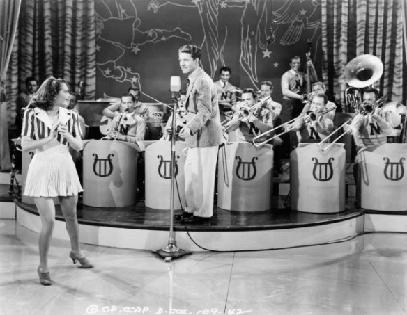 """Ruby Keeler and Ozzie Nelson in """"Sweethearts of the Campus"""" (1941)"""