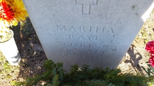 Closer view of Raye's grave at Fort Bragg (Comet Over Hollywood/Jessica P)