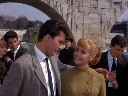 Gidget and Jeff/Moondoggie while they are still in love in Rome.