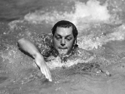 Johnny Weissmuller in the 1924 Summer Olympics in Paris.